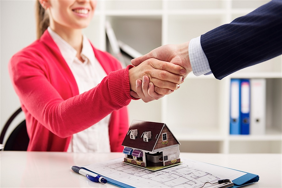 The Real Estate Agents Have The Right To Share Their Premium With Buyers Or Sellers